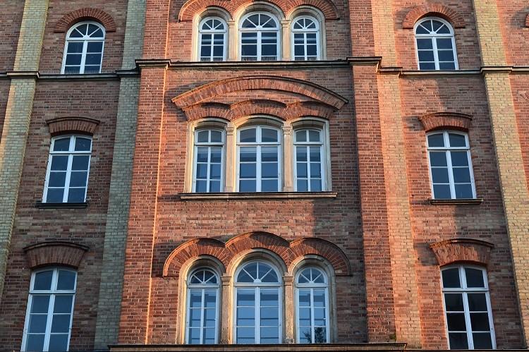 Czy wycinanie uszczelek okiennych poprawi wentylację pomieszczeń?